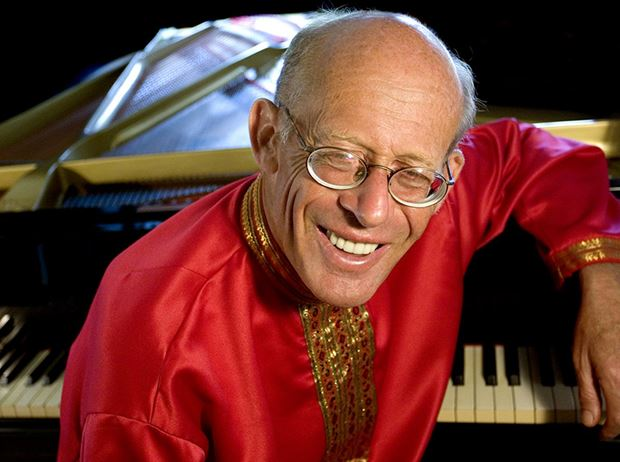 David Helfgott '360 Degrees Center Stage'