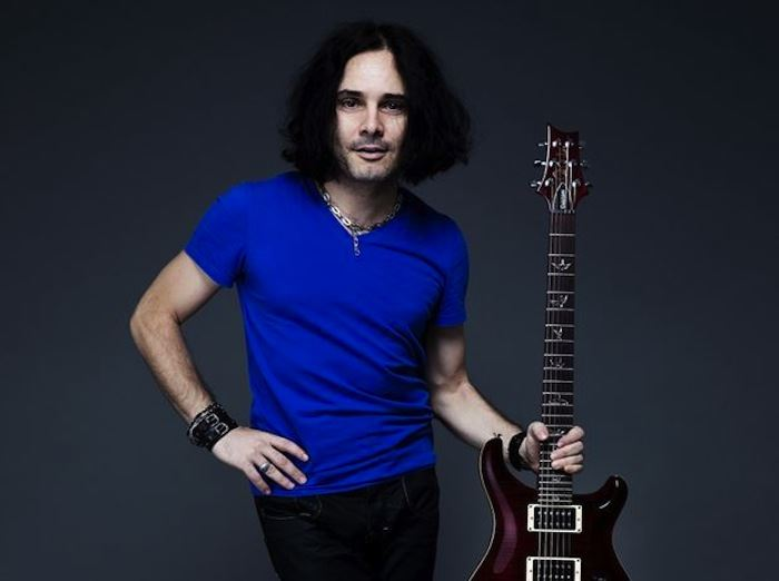 Freddie Mercury & Queen Live Tribute by Cingi