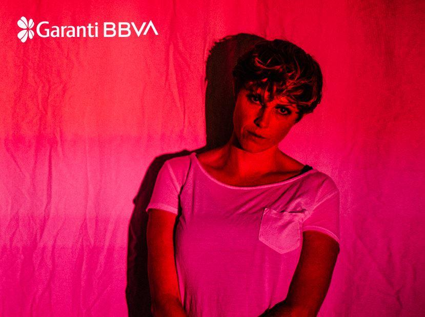 Garanti BBVA Konserleri: She Drew The Gun